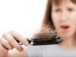 11 نکته برای مبارزه با ریزش موی خانمها!