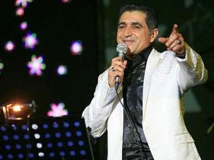 کنسرت فریدون آسرایی در خرمآباد برگزار میشود