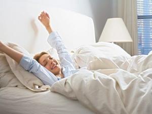 چگونه صبح زود به راحتی بیدار شویم؟
