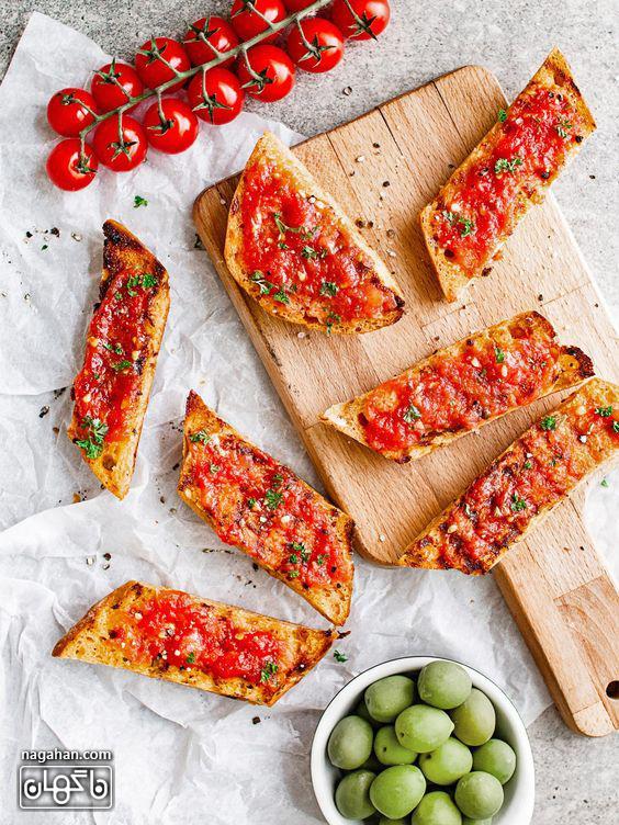 آموزش تصویری و گام به گام نان تست اسپانیایی با گوجه فرنگی ، پیش غذای گیاهی سریع ، آسان و خوشمزه