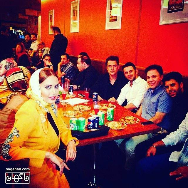 عکس الناز شاکردوست به همراه محمدرضا گلزار و امین حیایی در یک دورهمی دوستانه