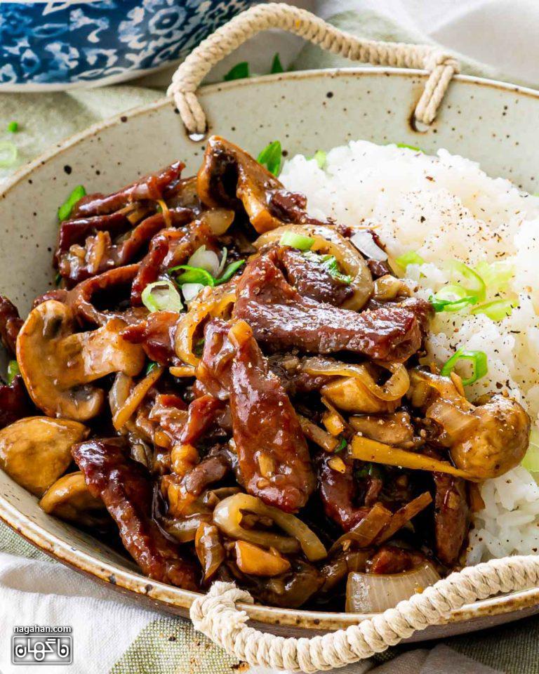 عکس بیف آسیایی با قارچ ، سبزیجات و سس خانگی