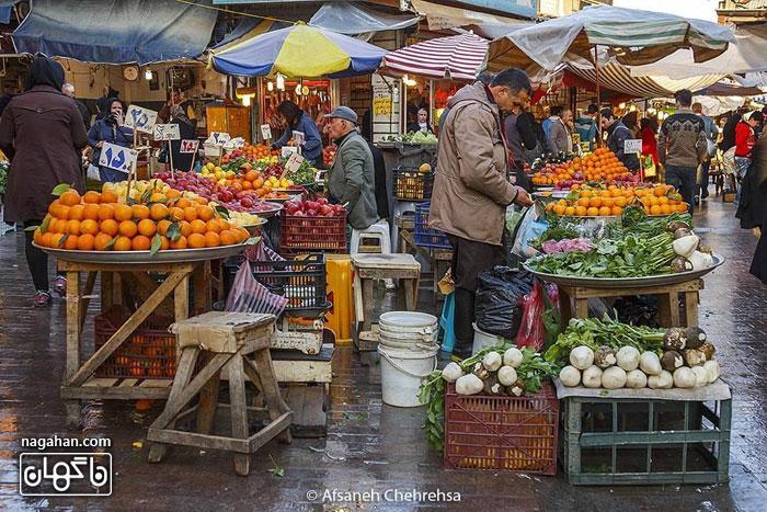 بازار محلی رشت ، راسته ی میوه فروشان