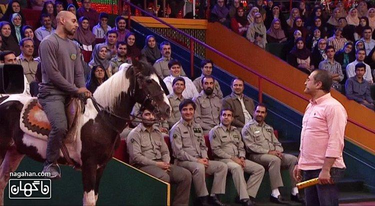 ارشا اقدسی سوار اسب در خندوانه