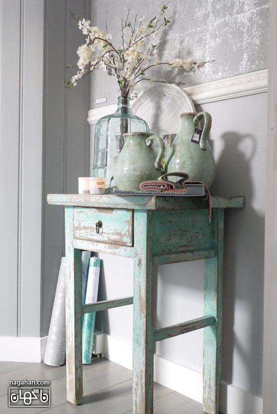 میز کنسول رنگ آبی پاستلی با طرح نیمکت قدیمی، طراحی داخلی مدرن