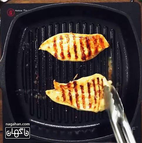 طرز تهیه مرغ گریل طعم دار بسیار خوشمزه و لطیف