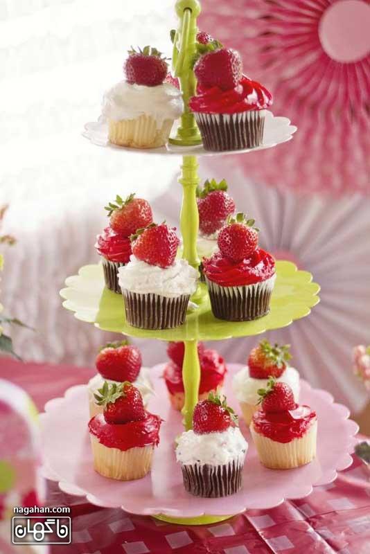 کاپ کیک توت فرنگی تم تولد