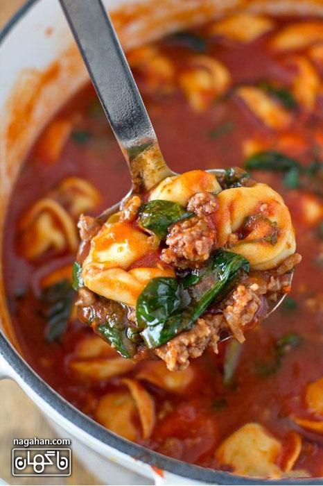 سوپ ایتالیایی تورتلینی با گوجه فرنگی و اسفناج | پیش غذای ایتالیایی سالم و رژیمی با گوشت چرخ شده