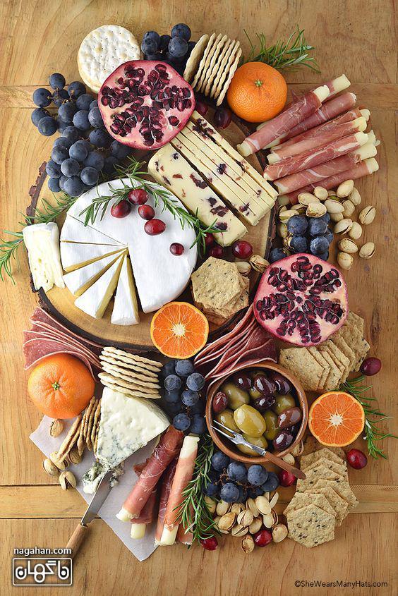 میز مزه با انواع تنقلات و پنیر های هلندی