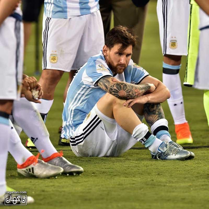 عکس خداحافظی مسی از تیم ملی آرژانتین
