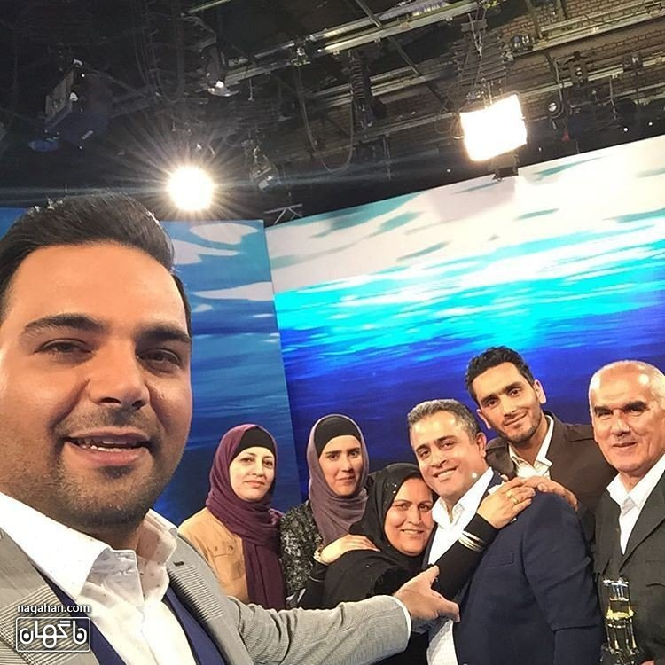 سلفی احسان علیخانی با میهمانان