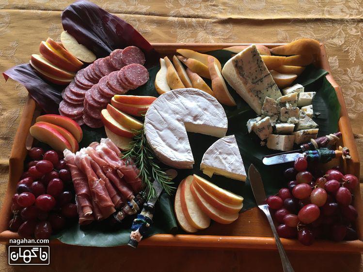 میز مزه با پنیر های متنوع و خوشمزه