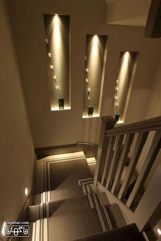 طراحی مدرن راه پله با نور و رنگ