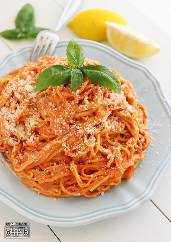 مواد لازم برای ماکارونی گوجه فرنگی خامه ای- غذا گیاهی