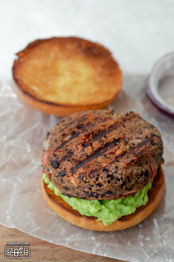 همبرگر گیاهی سرخ شده