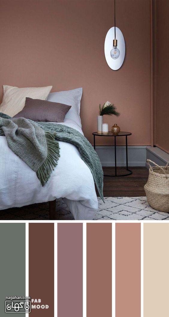 عکس دکوراسیون اتاق خواب با ترکیب رنگ طوسی و صورتی کالباسی و چراغ ، اکسسوری اتاق و میز پاتختی جدید